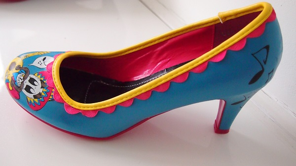 Cartoon Shoes by T.U.K: £20