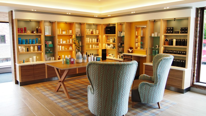Moddershall Oaks reception and beauty area