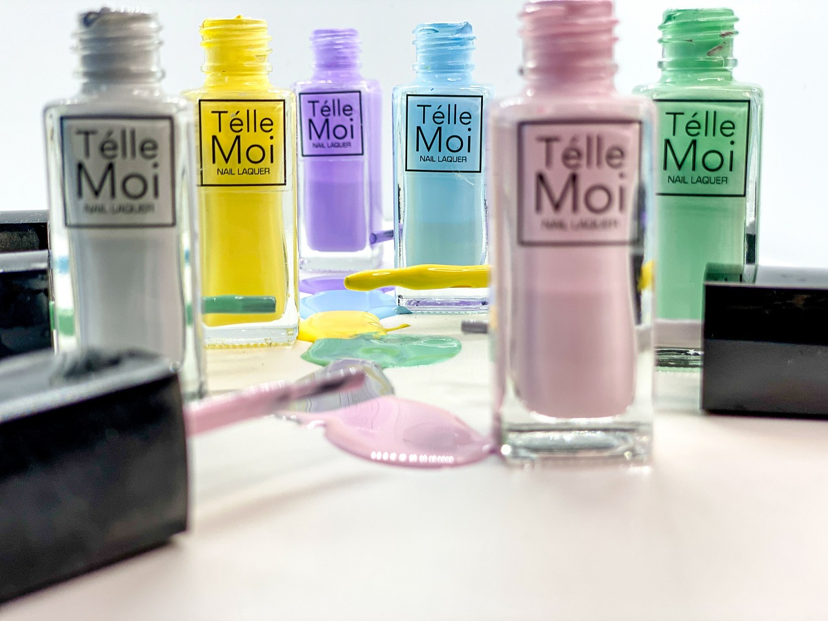 Telle Moi pastel tones