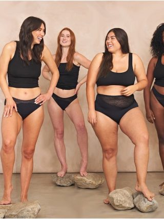 Saalt menstural cups models in underwear