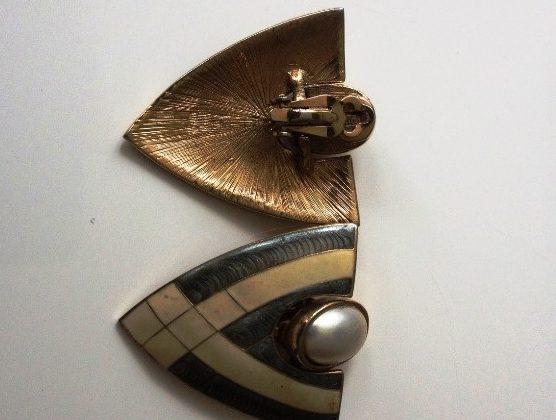 80's vintage shield earrings £15